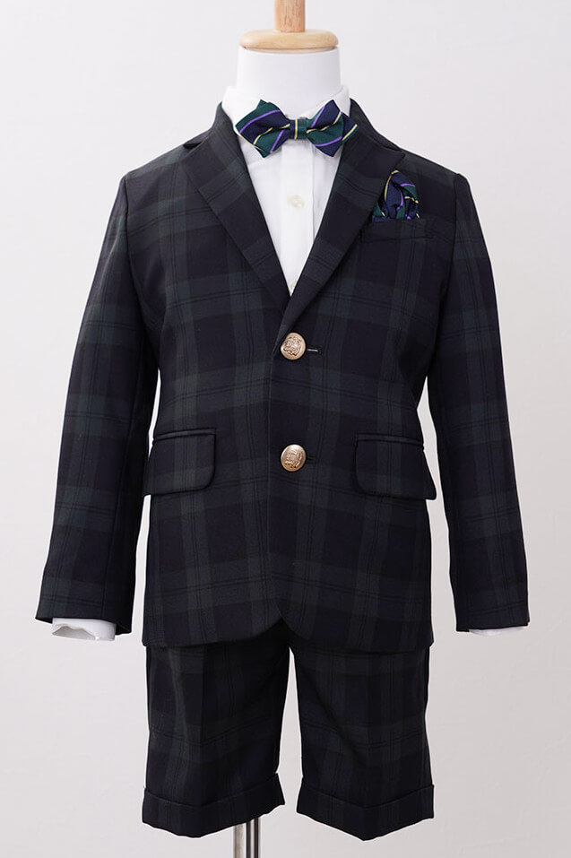 タータンチェックジャケット×白シャツ×ハーフパンツ