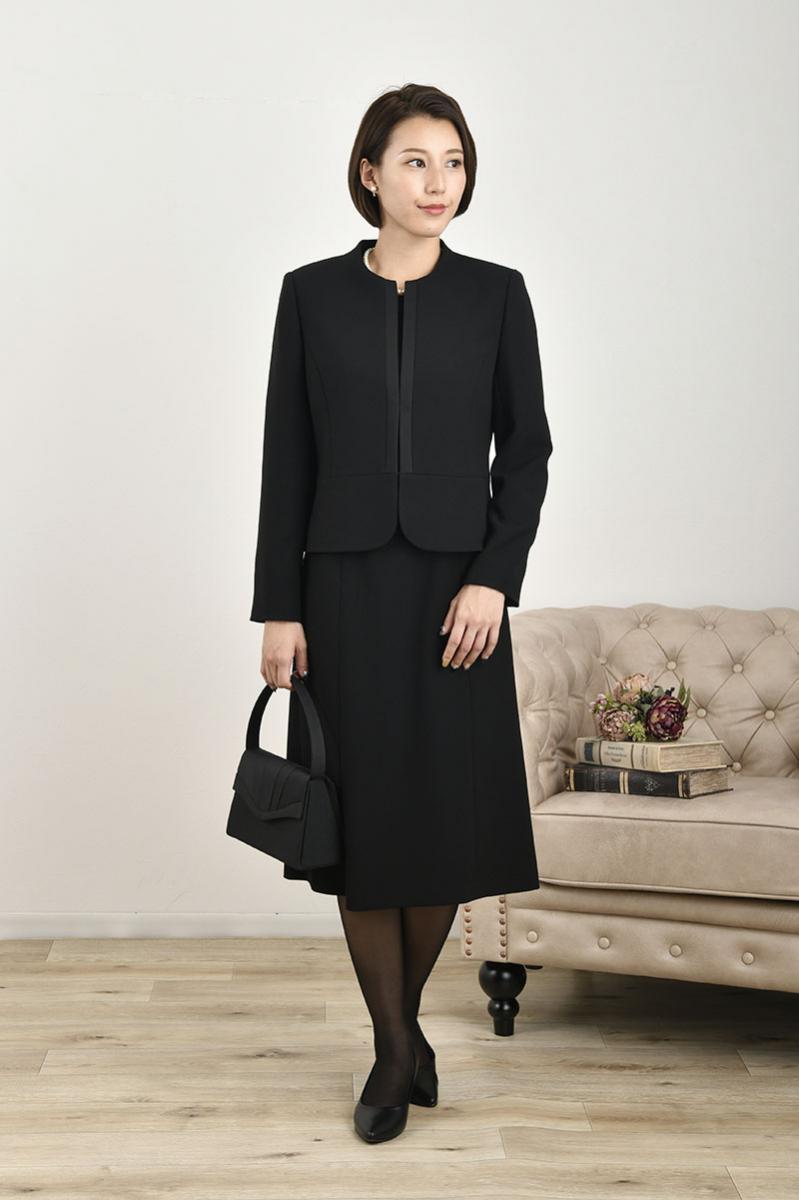 黒ジャケット×七分袖ワンピース